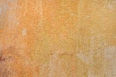 Κίτρινος χρωματισμένος ochre τοίχος στόκων παλαιό παράθυρο σύστασης λεπτομέρειας ανασκόπησης ξύλινο Στοκ Φωτογραφία