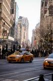 Κίτρινο αμάξι σε NYC στοκ φωτογραφίες με δικαίωμα ελεύθερης χρήσης