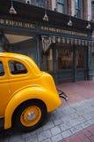 Κίτρινο αυτοκίνητο ταξί Στοκ φωτογραφία με δικαίωμα ελεύθερης χρήσης