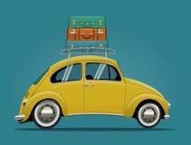 Κίτρινο αυτοκίνητο ταξιδιού Στοκ εικόνες με δικαίωμα ελεύθερης χρήσης