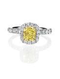 Κίτρινο δαχτυλίδι αρραβώνων διαμαντιών καναρινιών Στοκ εικόνες με δικαίωμα ελεύθερης χρήσης