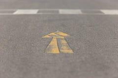Κίτρινο βέλος Στοκ εικόνα με δικαίωμα ελεύθερης χρήσης