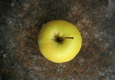 Κίτρινο μήλο Στοκ Φωτογραφίες