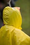 Κίτρινο παλτό βροχής Στοκ φωτογραφίες με δικαίωμα ελεύθερης χρήσης