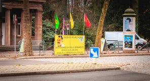 Κίτρινο σημάδι στα γαλλικά - ηγέτης των κουρδικών ανθρώπων Α OCALAN στοκ εικόνες με δικαίωμα ελεύθερης χρήσης