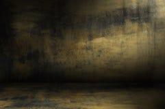 Κίτρινο σκοτεινό δωμάτιο grunge στοκ φωτογραφία με δικαίωμα ελεύθερης χρήσης