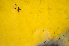 Κίτρινο σκουριασμένο υπόβαθρο σύστασης χάλυβα τοίχων Στοκ Εικόνα
