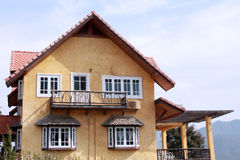 Κίτρινο σπίτι στοκ εικόνες
