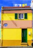 Κίτρινο σπίτι στοκ φωτογραφίες