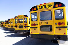 Κίτρινο σχολικό λεωφορείο Στοκ Εικόνες