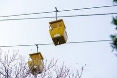 Κίτρινο τελεφερίκ δύο Στοκ Φωτογραφία