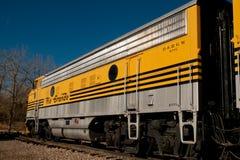 Κίτρινο τραίνο Στοκ φωτογραφία με δικαίωμα ελεύθερης χρήσης