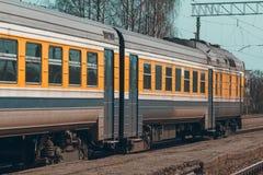 Κίτρινο τραίνο diesel Στοκ εικόνα με δικαίωμα ελεύθερης χρήσης