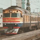 Κίτρινο τραίνο diesel Στοκ εικόνες με δικαίωμα ελεύθερης χρήσης