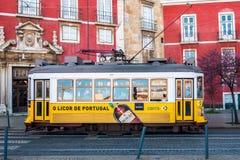 Κίτρινο τραμ στοκ φωτογραφία