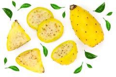 Κίτρινο τραχύ αχλάδι ή opuntia που απομονώνεται σε ένα άσπρο υπόβαθρο Τοπ όψη Επίπεδος βάλτε στοκ εικόνες με δικαίωμα ελεύθερης χρήσης