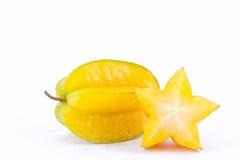 Κίτρινο carambola φρούτων αστεριών ή μήλο αστεριών starfruit στα άσπρα τρόφιμα φρούτων αστεριών υποβάθρου υγιή που απομονώνονται στοκ εικόνα με δικαίωμα ελεύθερης χρήσης