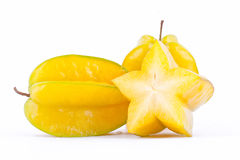 Κίτρινο carambola φρούτων αστεριών ή μήλο αστεριών starfruit στα άσπρα τρόφιμα φρούτων αστεριών υποβάθρου υγιή που απομονώνονται στοκ εικόνες με δικαίωμα ελεύθερης χρήσης