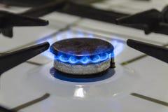 Καίγοντας αέριο σε έναν καυστήρα αερίου Στοκ φωτογραφία με δικαίωμα ελεύθερης χρήσης