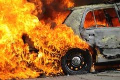 Καίγοντας αυτοκίνητο στοκ φωτογραφία