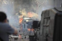 καίγοντας αυτοκίνητο Στοκ Εικόνες