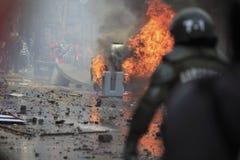 καίγοντας αυτοκίνητο Στοκ Φωτογραφίες