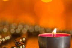Καίγοντας διακοσμήσεις κεριών και Χριστουγέννων Στοκ φωτογραφίες με δικαίωμα ελεύθερης χρήσης