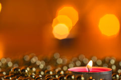 Καίγοντας διακοσμήσεις κεριών και Χριστουγέννων Στοκ Φωτογραφία