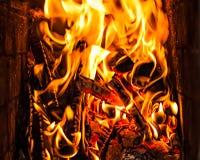 καίγοντας καυσόξυλο Στοκ φωτογραφία με δικαίωμα ελεύθερης χρήσης