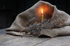 Καίγοντας κερί, ξηρά χλόη Στοκ φωτογραφία με δικαίωμα ελεύθερης χρήσης