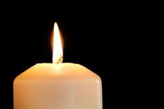 καίγοντας κερί που απομονώνεται μαύρο Στοκ φωτογραφίες με δικαίωμα ελεύθερης χρήσης