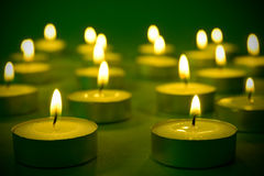 καίγοντας κεριά θερμά στοκ φωτογραφία με δικαίωμα ελεύθερης χρήσης