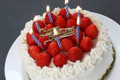 καίγοντας κεριά κέικ γεν&ep Στοκ εικόνα με δικαίωμα ελεύθερης χρήσης