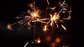 Καίγοντας κινηματογράφηση σε πρώτο πλάνο Sparkler φιλμ μικρού μήκους