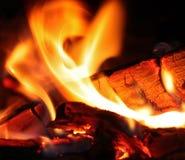 Καίγοντας κούτσουρα Στοκ εικόνα με δικαίωμα ελεύθερης χρήσης