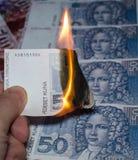 Καίγοντας κροατικά χρήματα Στοκ εικόνες με δικαίωμα ελεύθερης χρήσης