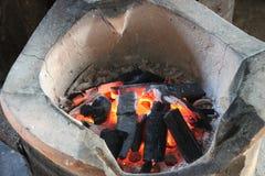 καίγοντας ξυλάνθρακας Στοκ φωτογραφία με δικαίωμα ελεύθερης χρήσης