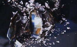 Καίγοντας λογαριασμός δολαρίων Στοκ εικόνες με δικαίωμα ελεύθερης χρήσης