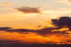 Καίγοντας ουρανοί παραδείσου ηλιοβασιλέματος Στοκ εικόνα με δικαίωμα ελεύθερης χρήσης