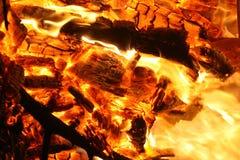 Καίγοντας πυρκαγιά Στοκ φωτογραφίες με δικαίωμα ελεύθερης χρήσης