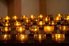 καίγοντας σειρά κεριών Στοκ φωτογραφία με δικαίωμα ελεύθερης χρήσης