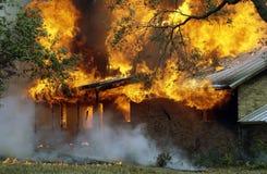 καίγοντας σπίτι Στοκ Εικόνα