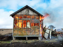 καίγοντας σπίτι Στοκ εικόνες με δικαίωμα ελεύθερης χρήσης