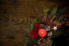 καίγοντας στεφάνι Χριστουγέννων Στοκ Εικόνες