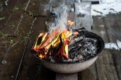 Καίγοντας χρήματα φαντασμάτων Στοκ Φωτογραφία
