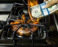 Καίγοντας χρήματα Στοκ φωτογραφία με δικαίωμα ελεύθερης χρήσης