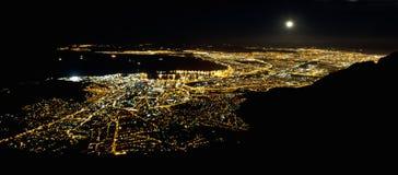 Καίηπ Τάουν τή νύχτα Στοκ Εικόνες