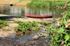 Καγιάκ κοντά στον ποταμό Semois, βελγικές Αρδέννες Στοκ Εικόνες