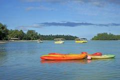 Καγιάκ στις νήσους Rarotonga Κουκ λιμνοθαλασσών Muri Στοκ φωτογραφία με δικαίωμα ελεύθερης χρήσης