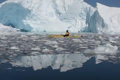 Καγιάκ στον πάγο Στοκ φωτογραφίες με δικαίωμα ελεύθερης χρήσης